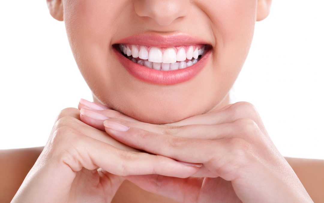 How to Find Safe, Non-Toxic Toothpaste and Teeth Whitening